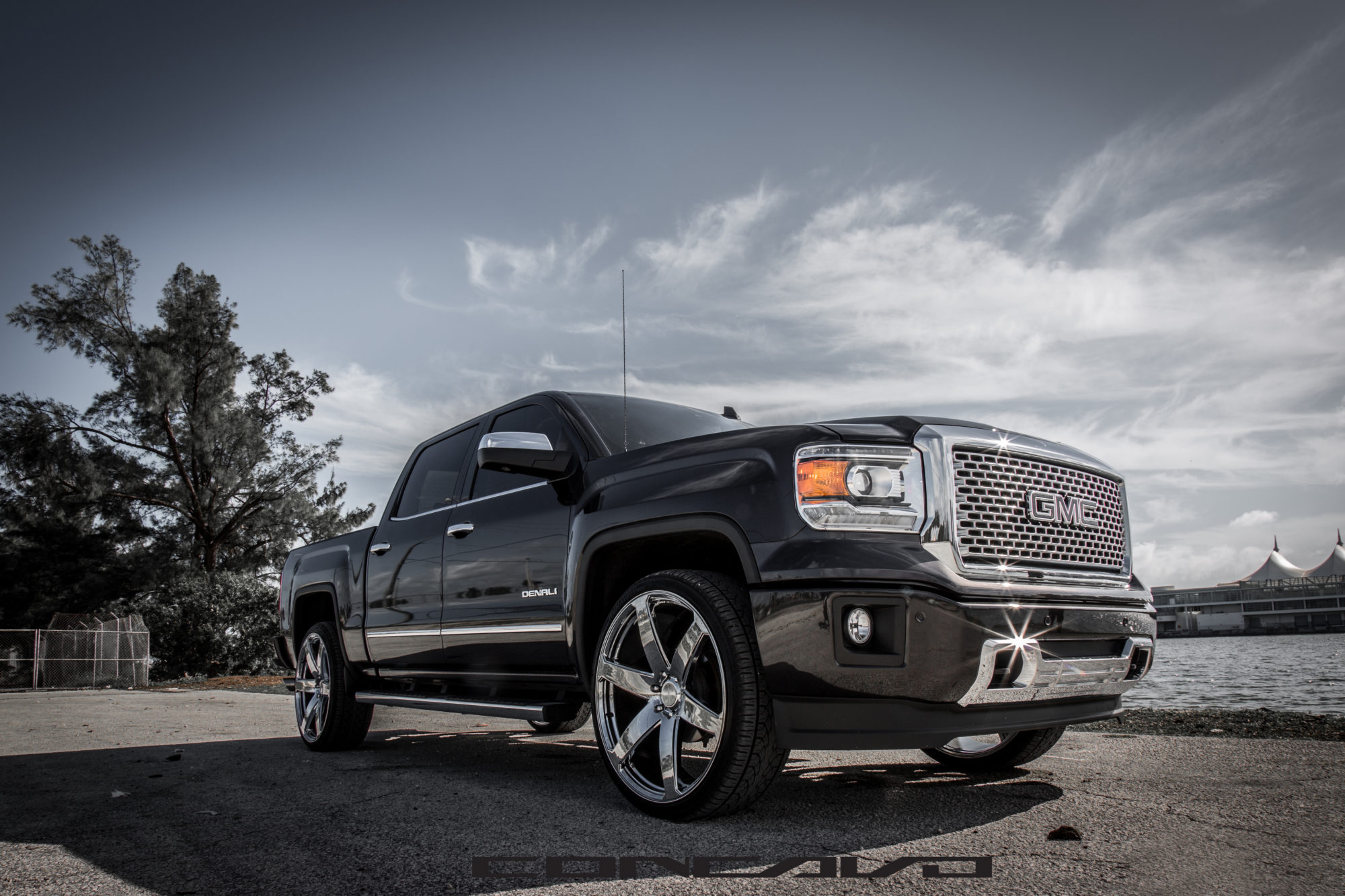 GMC Sierra Denali on 26″ CW6 Chrome – Concavo Wheels