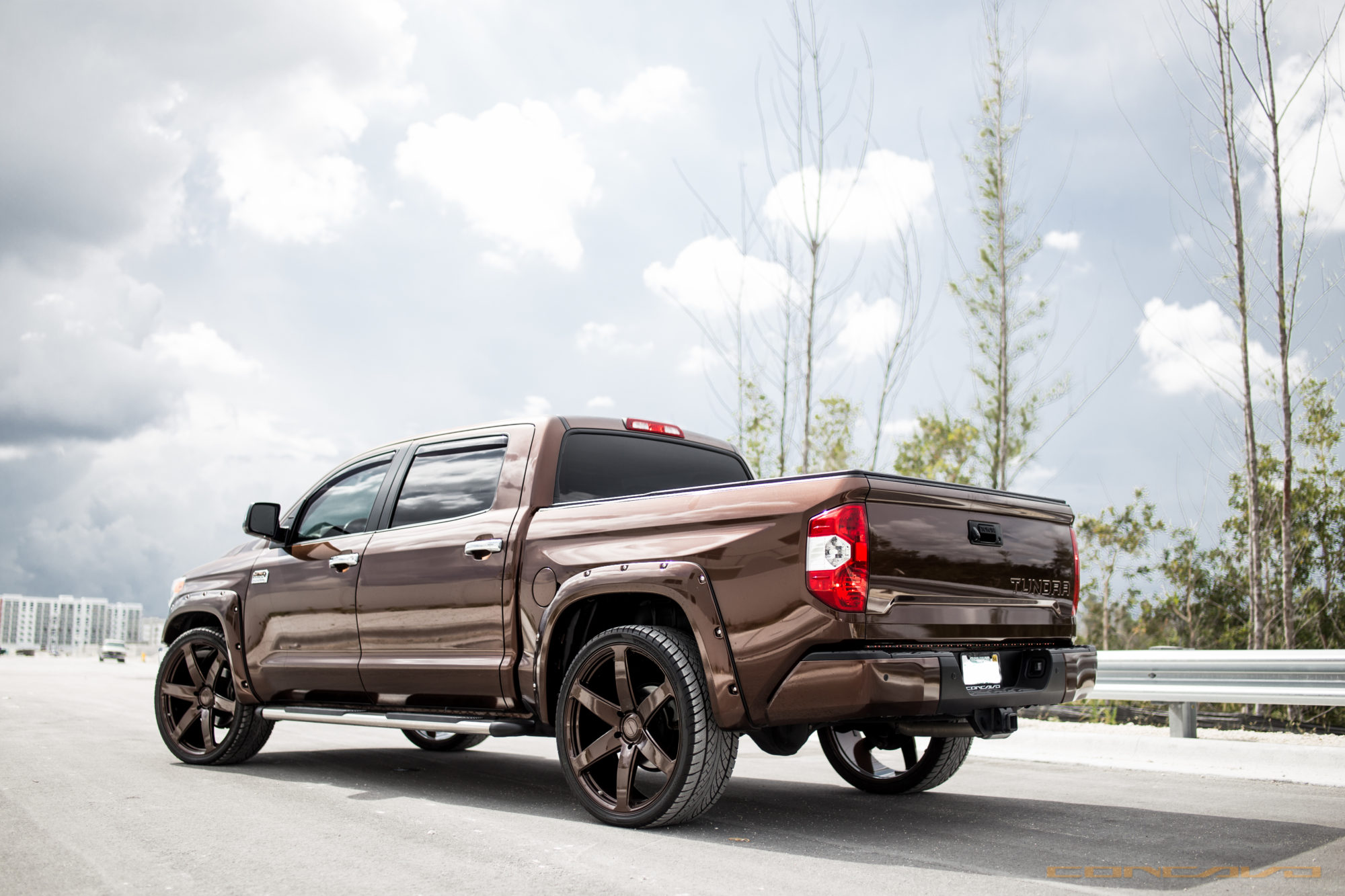 Toyota Tundra on Color Matching 26″ CW-6 – Concavo Wheels